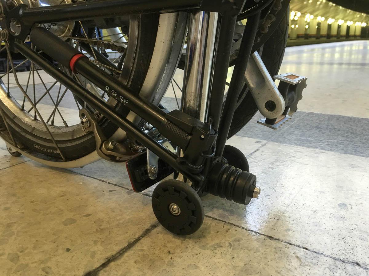 Brompton bike rolls